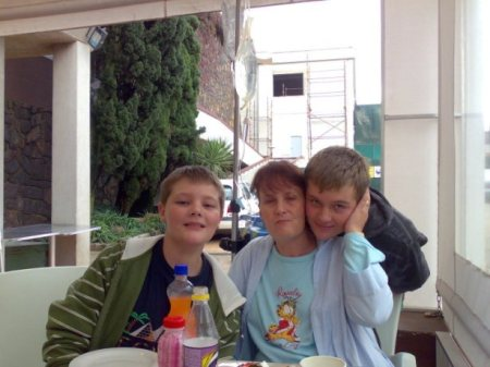 A picture of Vicky and her sons when she was healthier.