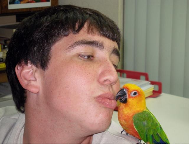 Kissing Tiki