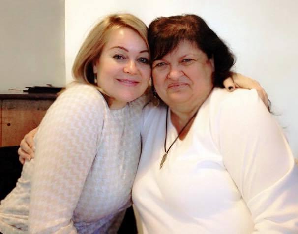 Angie & Sandra 1