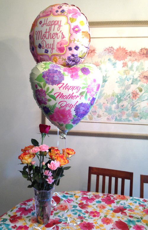 I received this beautiful bouquet from my former housekeeper Rosa and her daughters. I was surprised by a knock on the door and all six of Rosa's grandchildren came in to hug me (I always remember each one's birthday).