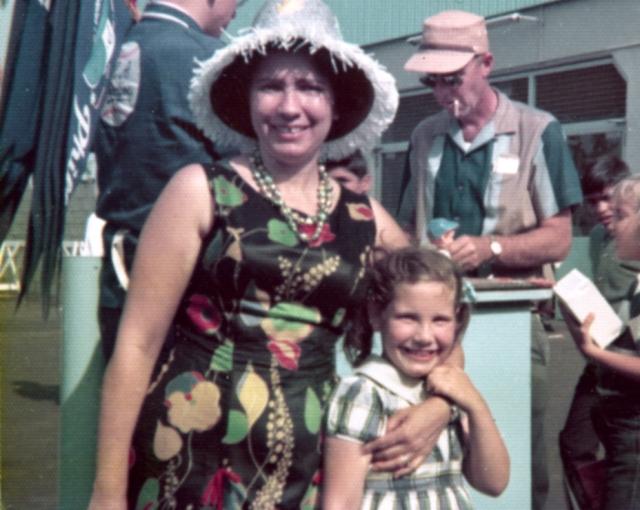 Mom w. hat & me